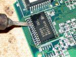 Как паять мелкие детали обычным паяльником – Пайка SMD деталей в домашних условиях